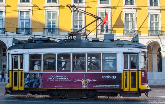 tranvia en Lisboa plaza del comercio