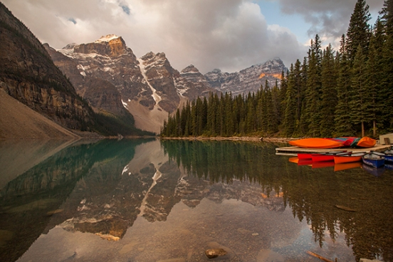 Amanecer en Moraine lake