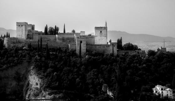 Vistas de la Alhambra desde el mirador de San Nicolás en Granada