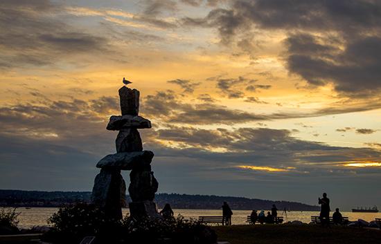 Atardecer en Vancouver inuit