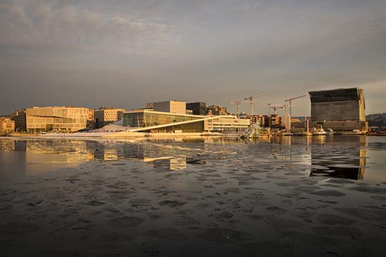luz en Oslo en mes de enero