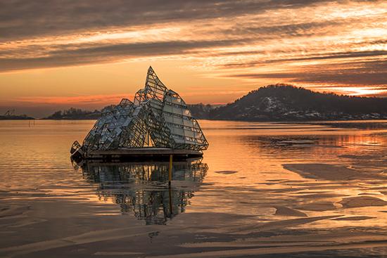 escultura flotante iceberg Oslo