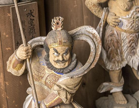 esculturas Daisho in temple Miyajima Island Japan