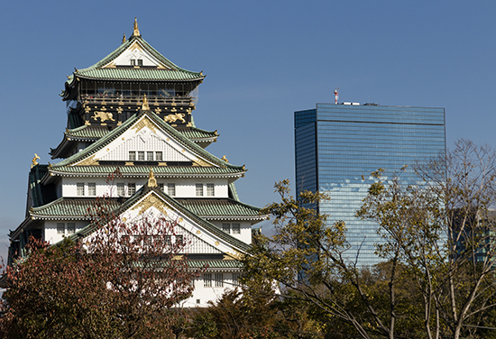 Crystal Tower y castillo de Osaka