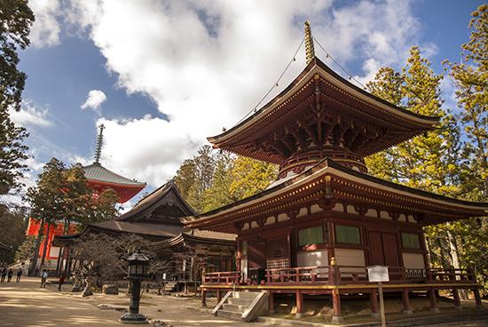 pagodas en japon koyasan