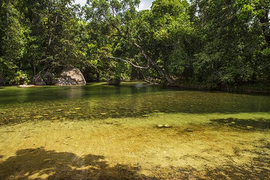 pozas y cascadas en Queensland