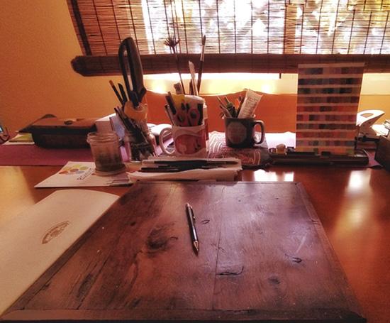 mesa ilustración ordenada